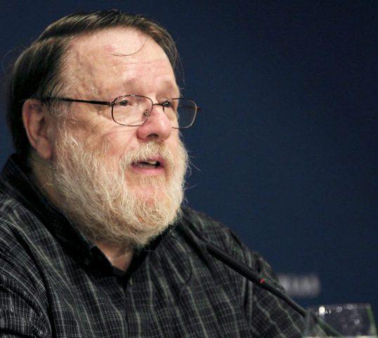 Ray Tomlinson creador del e-mail, HostDime