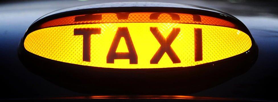 Taxistas Enojados Atacan Oficina De Aplicación De Taxis En Londres